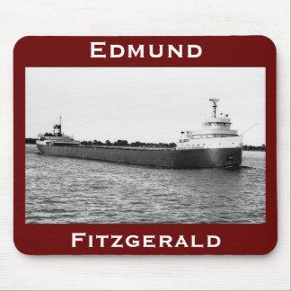 El Edmund Fitzgerald en el río del St. Clair Alfombrilla De Raton