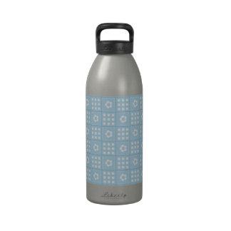 El edredón azul claro ajusta las flores y ajusta P Botellas De Agua Reutilizables