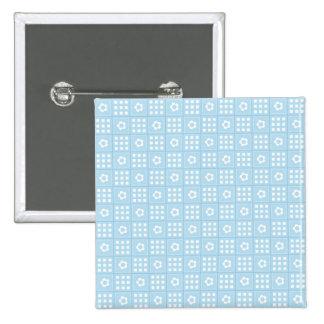 El edredón azul claro ajusta las flores y ajusta P Pins