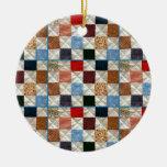 El edredón colorido ajusta el modelo ornamento para arbol de navidad