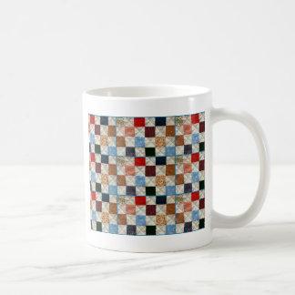 El edredón colorido ajusta el modelo taza clásica