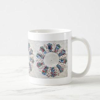 El edredón de Nellie de la abuela - bloque 1 Tazas De Café