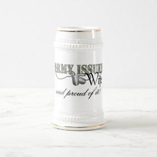 El ejército publicó a la esposa jarra de cerveza