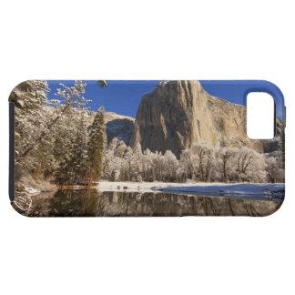 El EL Capitan refleja en el río de Merced adentro iPhone 5 Funda