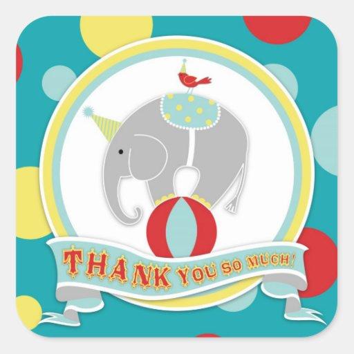 El elefante del circo le agradece etiquetar pegatina cuadrada