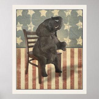 El elefante del GOP toma a silla político divertid Posters