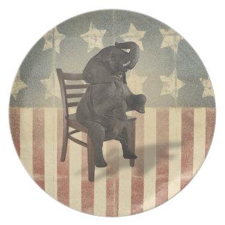 El elefante divertido del GOP toma a presidentes Plato Para Fiesta