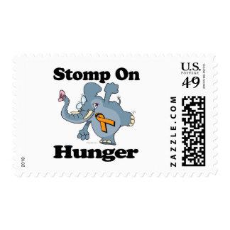 El elefante pisa fuerte en hambre sello