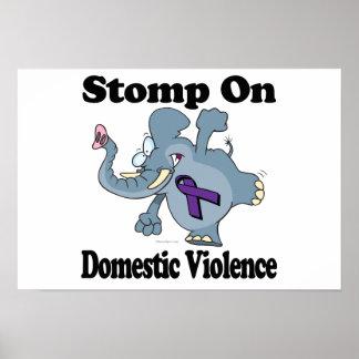 El elefante pisa fuerte en violencia en el hogar impresiones
