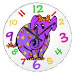 El elefante púrpura embroma el reloj con números c