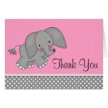 El elefante rosado lindo le agradece las tarjetas