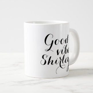 El elevar feliz personalizado de Shirley de la Taza Grande