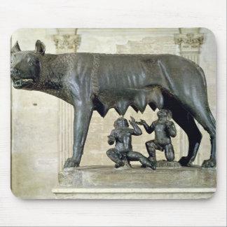 El Ella-Lobo de Capitoline Alfombrillas De Raton
