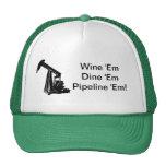 El Em del vino cena el gorra del camionero del Em