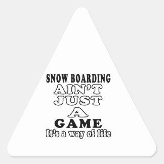 El embarque de la nieve no es apenas un juego que  calcomania triangulo personalizadas