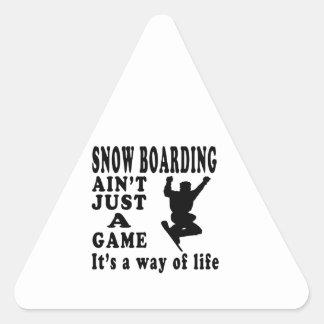 El embarque de la nieve no es apenas un juego que  calcomanía de trianguladas