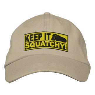 ¡El *EMBROIDERED* amarillo lo guarda Squatchy! - B Gorra De Béisbol Bordada