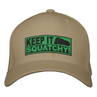¡El *EMBROIDERED* verde lo guarda Squatchy! - Bobo Gorro Bordado
