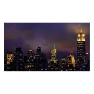 El Empire State Building brilla intensamente en nu Plantilla De Tarjeta De Visita