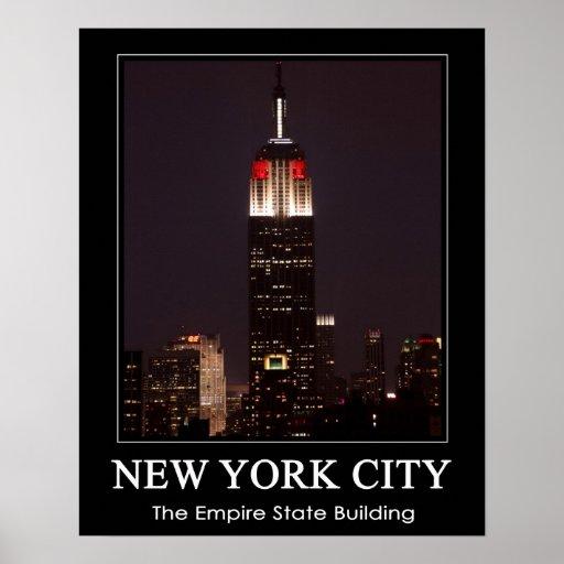 El Empire State Building rojo y blanco, 30 oscila Poster