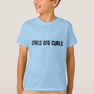 El empuje de los chicas encrespa el hombre o al playera