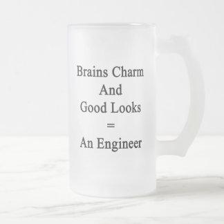 El encanto de los cerebros y las buenas miradas taza de cristal