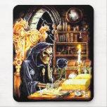 El encargado de la cripta alfombrilla de ratón