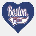 El encresparse fuerte del hockey de Boston Pegatina En Forma De Corazón
