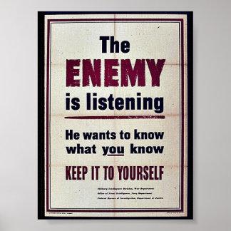 El enemigo está escuchando poster