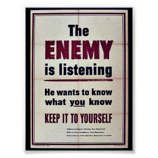 El enemigo está escuchando póster
