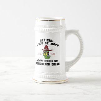 El equipo de consumición de las mujeres de Cinco d Taza De Café