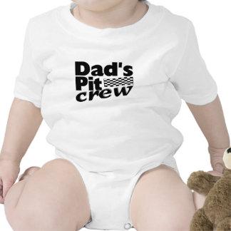 El equipo en boxes del papá traje de bebé