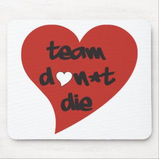 El equipo no muere corazón tapetes de ratón