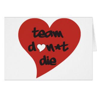 El equipo no muere corazón - tarjeta
