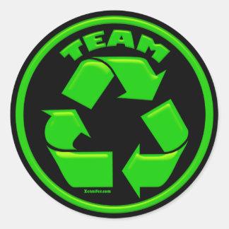 El equipo recicla a los pegatinas etiqueta redonda
