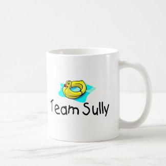 El equipo Sully el pato Taza Básica Blanca