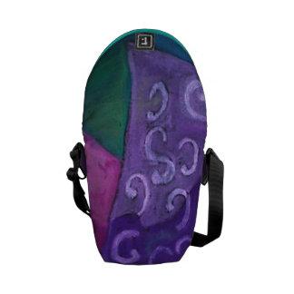 El escondite - cielo púrpura y magenta abstracto bolsa de mensajeria