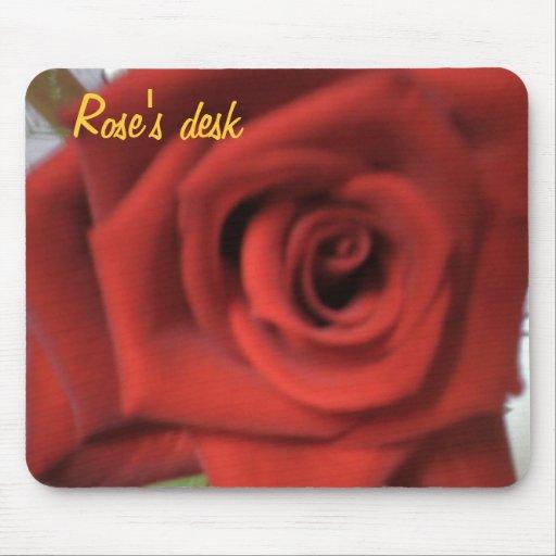 El escritorio del rosa mouse pad