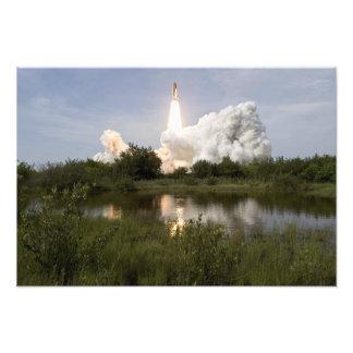 El esfuerzo del transbordador espacial quita 5 fotografía