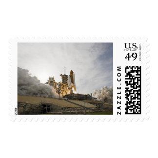El esfuerzo del transbordador espacial quita 5 sello postal