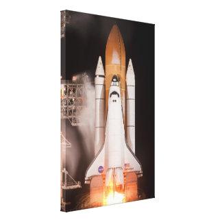 El esfuerzo del transbordador espacial quita impresión en lona estirada