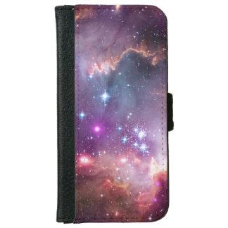 El espacio brillante de la nebulosa protagoniza al carcasa de iPhone 6