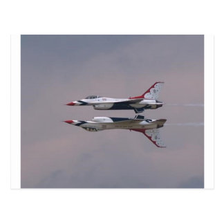 El espejo de Thunderbird vuela cerca Tarjetas Postales