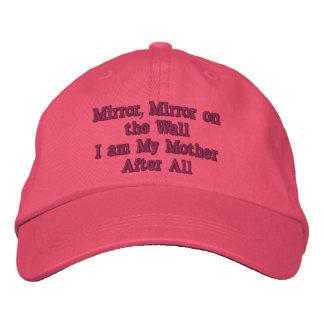 El espejo, espejo bordó el gorra gorro bordado