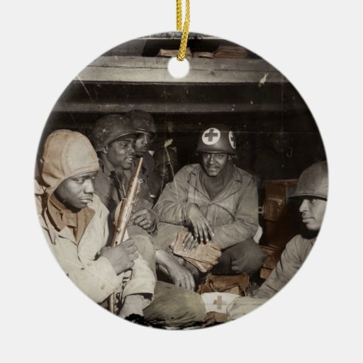 El esperar de los médicos de WWII Ornamento De Reyes Magos