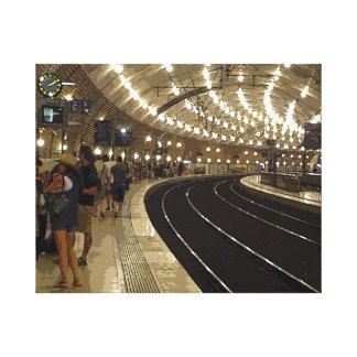 El esperar en el tren en Mónaco Impresiones En Lona