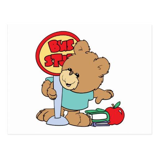 el esperar lindo en el oso de la escuela de la postales