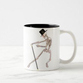 El esqueleto del baile taza