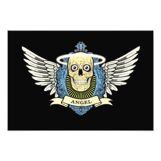 El esqueleto del cráneo del ángel con halo con el  foto