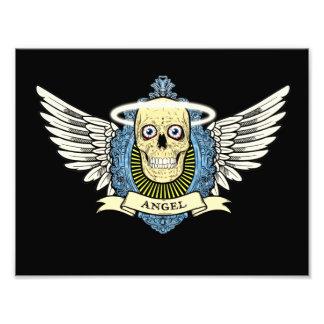 El esqueleto del cráneo del ángel con halo con el  arte fotografico